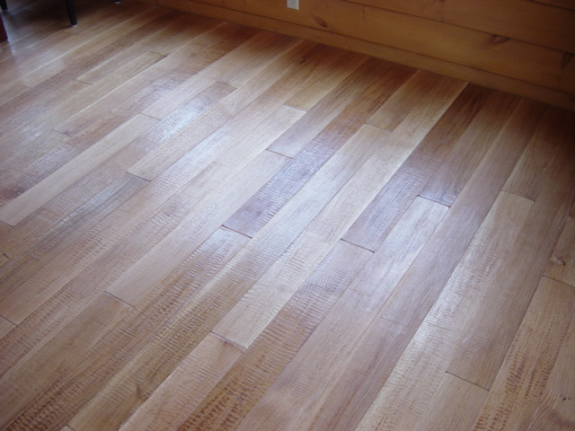 High Quality Camelot Collection Quartersawn White Oak Hand Scraped Hardwood Flooring  Photo #15